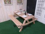 Douglas hout picknicktafel op een grasveld op maat