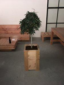 Plantenbak zelf gemaakt van douglas hout